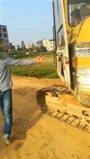 村霸强行挖断村中道路