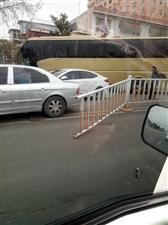 客车小车相撞