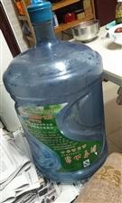 新亨山泉为了得到三二十元的押金,不退桶!!!