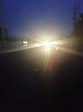 请调整一下月儿湾大桥以南至和幸路口的路灯