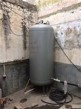 两套无塔供水设备,三个水泵出售