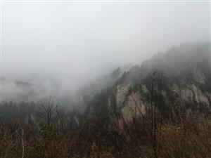 雨天游玩龙峪湾,雨大雾大别有一番诗意!