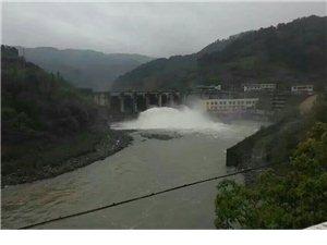 观界溪口大坝瀑布有感