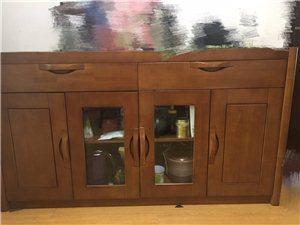 出实木餐边柜