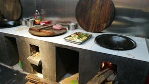 乡厨柴火院新推地锅公鸡,地锅割也鱼――柴火地锅,味道就是特别的香