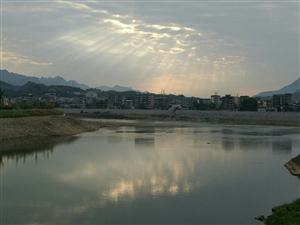 旺苍的早晨之印月潭