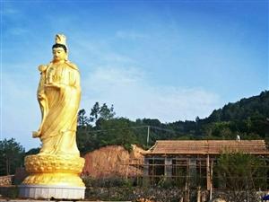 永春清泉岩的观音殿屋面木结构(明.清)已