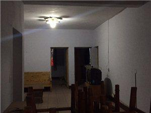 新南街下段3室2厅1卫33.8万元