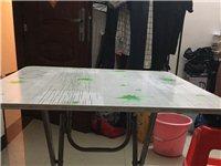 高约65cm,70?70cm桌子,无任何划痕,全新