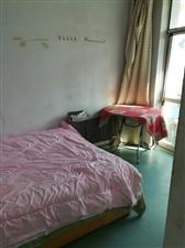 有房出租,开发区移动公司前工商局宿舍。