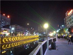 美丽怡人的县河夜景风光