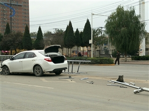 这样的车祸怎么发生了?