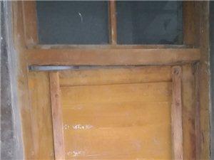求购老款实木,浴卫门一扇。