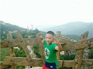 孩子,郭文博8岁,你怎么这么淘气呢?出去