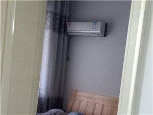 香格里三室两厅精装修,价格美丽