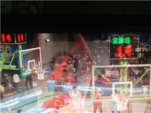 中国男篮红队客场拼搏凶悍,年轻队员血洗韩