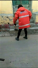 厉害了!南曲堤村居然是女环卫工清扫街道!