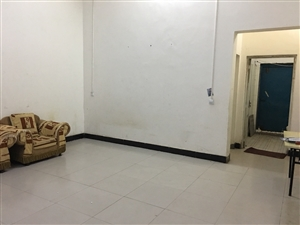 其他小区业主1室1厅1卫700元/月