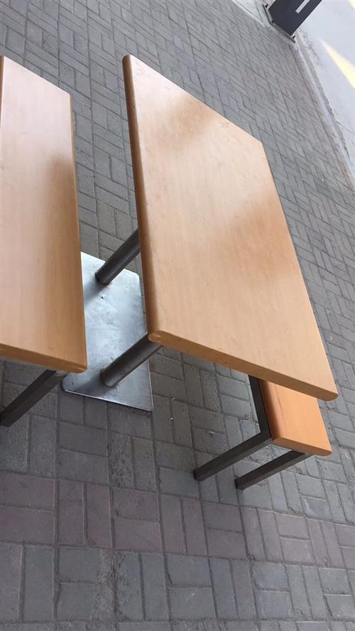 快餐桌椅 便宜出啦需要的联系我17865882012