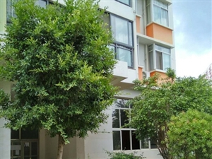 渝景花园4室2厅2卫27万元