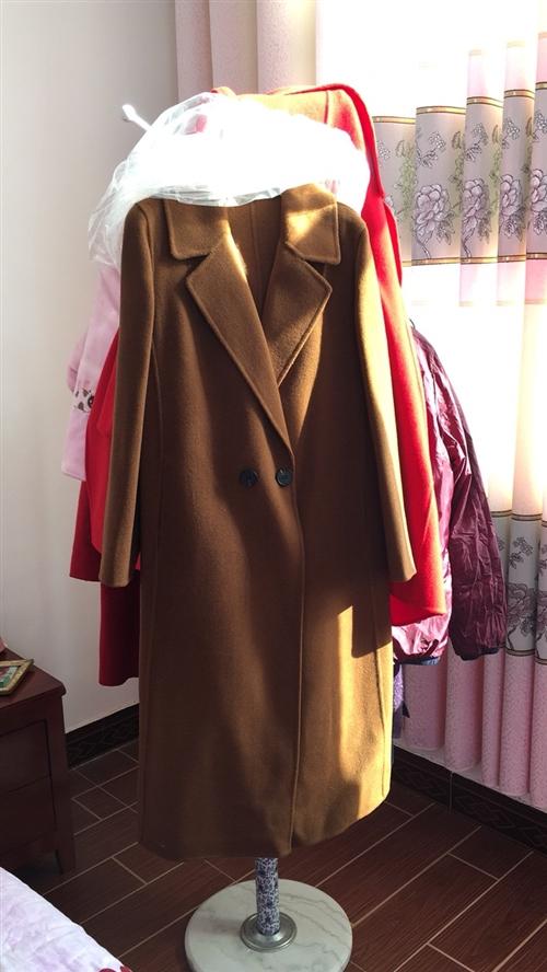 双面羊绒大衣:厂价直销:便宜3百1??件