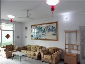 凤翔东湖口2室2厅1卫96平方米