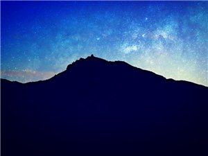 孤傲的双峰山