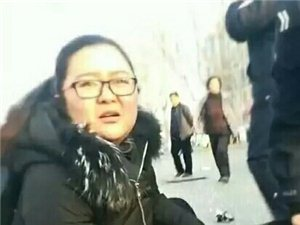 山东一老人日前被车撞倒,路过的护士刘收花
