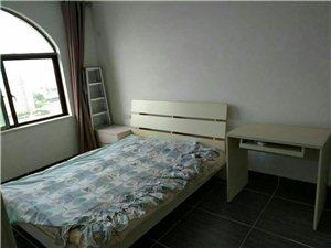 伊比亚3室2厅1卫3000元/月