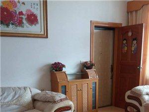 粮食局家属房4室2厅2卫1500元/月