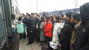 3月4日,正月十七,澳门龙虎斗网站站迎来了春运集中