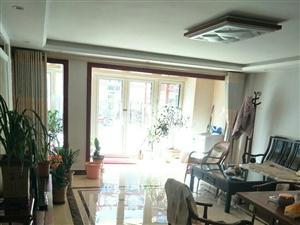 华泰东方威尼斯5室2厅3卫260万精装带院342平
