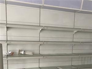 化妆品展示柜,宽50高2.5米一节,五层带储物柜,一共9节,带有广告灯箱,打包2400出,原价买的3...