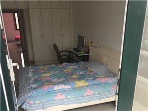 荣和故里2室1厅1卫850元/月