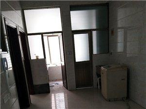 君悦华庭旁3室2厅1卫1300元/月
