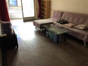 南锦公寓3室2厅1卫2300元/月