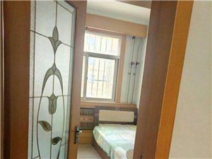 花园小区3室2厅1卫8000元/月