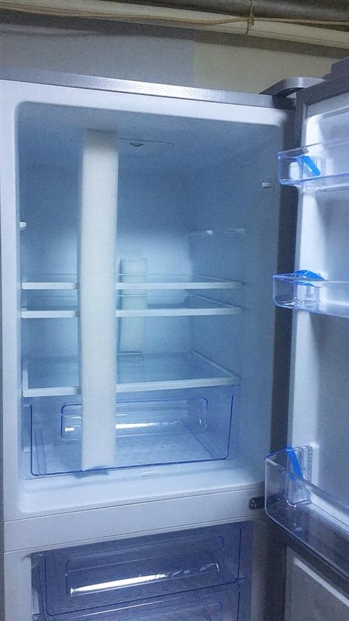 出售全新冰箱,容量205L,只拆开包装看了下冰箱是否完好,如有诚意,具体价格电话联系 联系人白女士:...