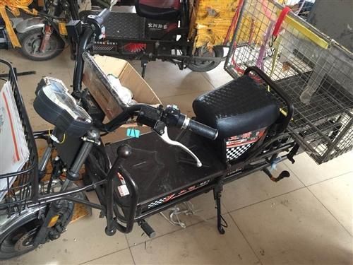 宝坻荣柏车城购入的快递专用电动车,9.9成新,仅骑15天,电池保修一年。需要的联系185221765...