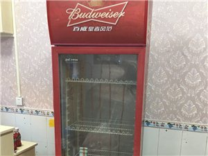 便宜出售冰箱,冰柜,展示柜,是自己开店用的,拿去就可以用