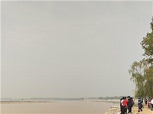 黄河岸边瑜伽课