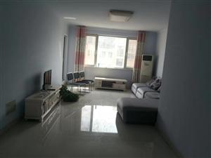 叶上海3室2厅2卫2600元/月