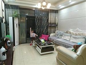 东湖豪景12楼113平方精装108万元