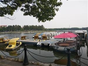 五一假日里的美�m湖一景五一假日里的美�m湖一景