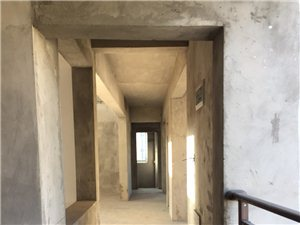 光明春天丶御峰(即B区)5室3厅3卫91.8万元