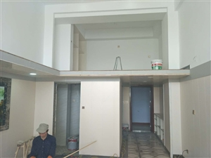 蘑菇社区沿街三楼电梯房20万元