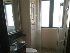 4室2厅2卫2500元/月