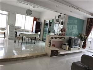 新加坡花园3室2厅2卫2500元/月