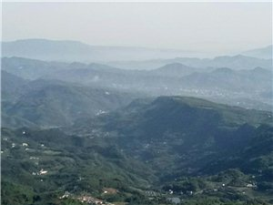 龙湾沟峡谷,团结村竹海,仙峰山群峰。