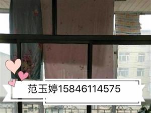 出租:二小学附近4楼74平米8000元一年,婚装,